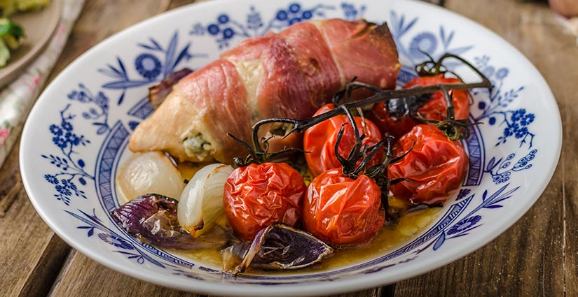 GARFUNKELS-BACON-WRAPPED-CHICKEN-WITH-ROASTED-TOMATOES